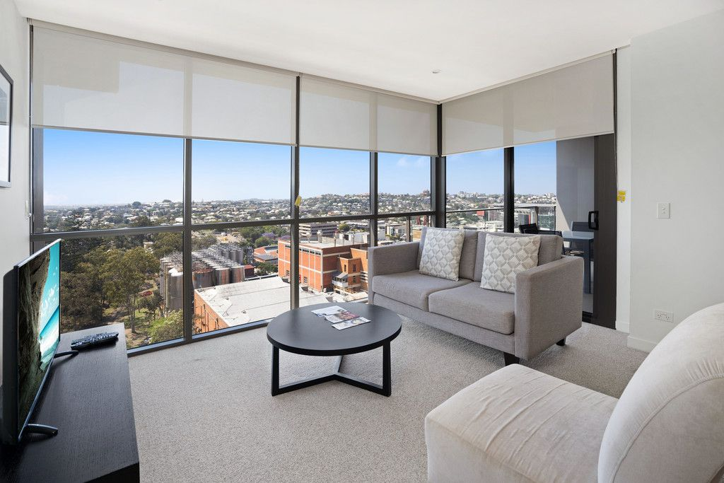 Great Location with Amazing Views!