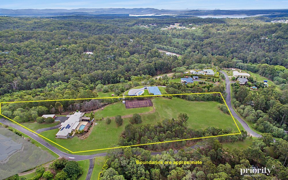 Private family home on Cashmere hilltop – 3.83 Acres