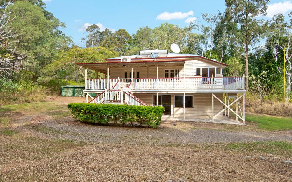 Private Queenslander on Approximately 7 acres