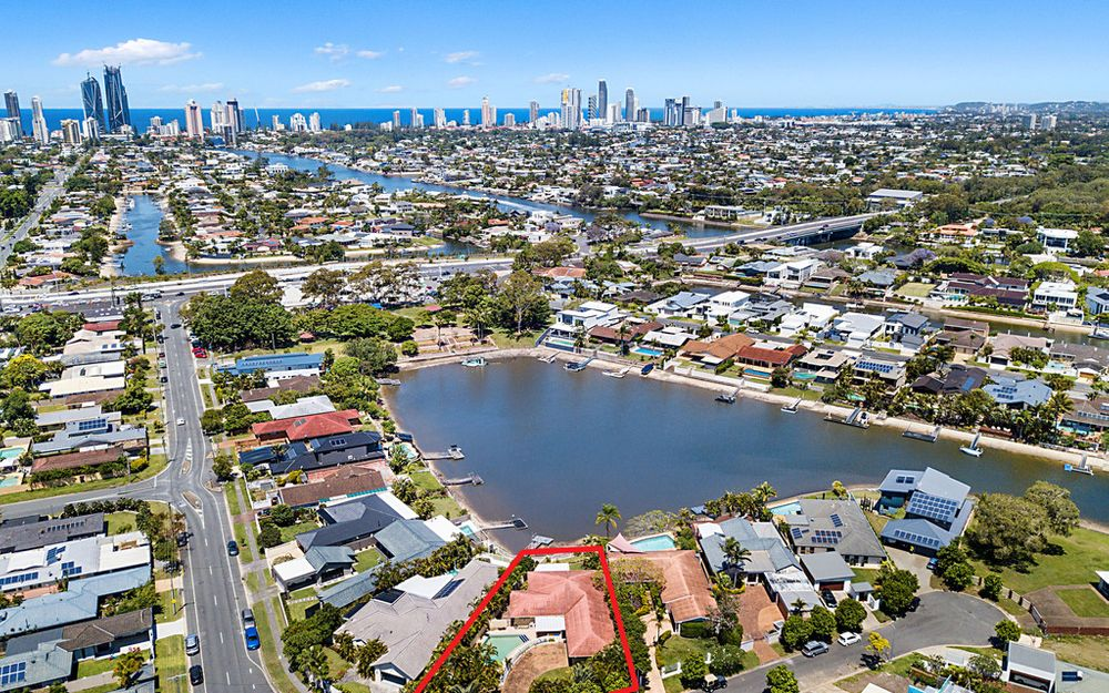 UNDER CONTRACT – DECEASED ESTATE / RENOVATORS DELIGHT – WIDE EAST FACING TO WATER WITH SKYLINE VIEWS
