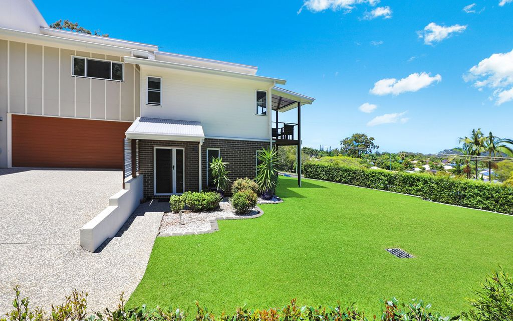 Stylish home offering spacious modern living with bushland views