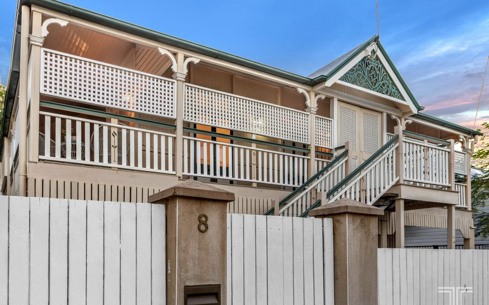 Elegant, Updated Queenslander