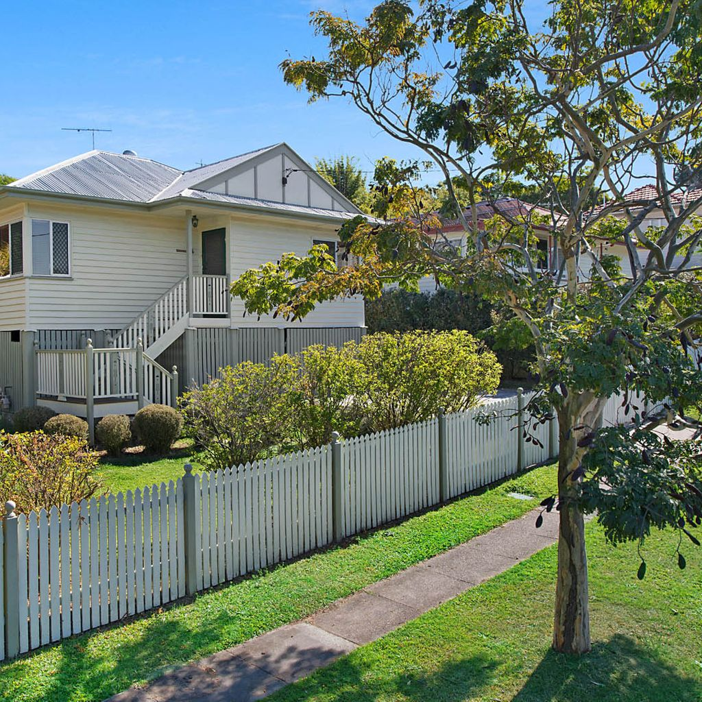 Beautifully Maintained Family Home