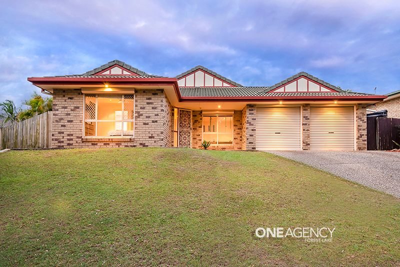 SPACIOUS FAMILY HOME WITH POOL!!!