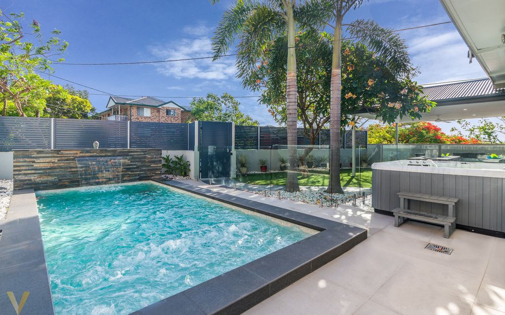 Inner City Luxury Town-home Oasis