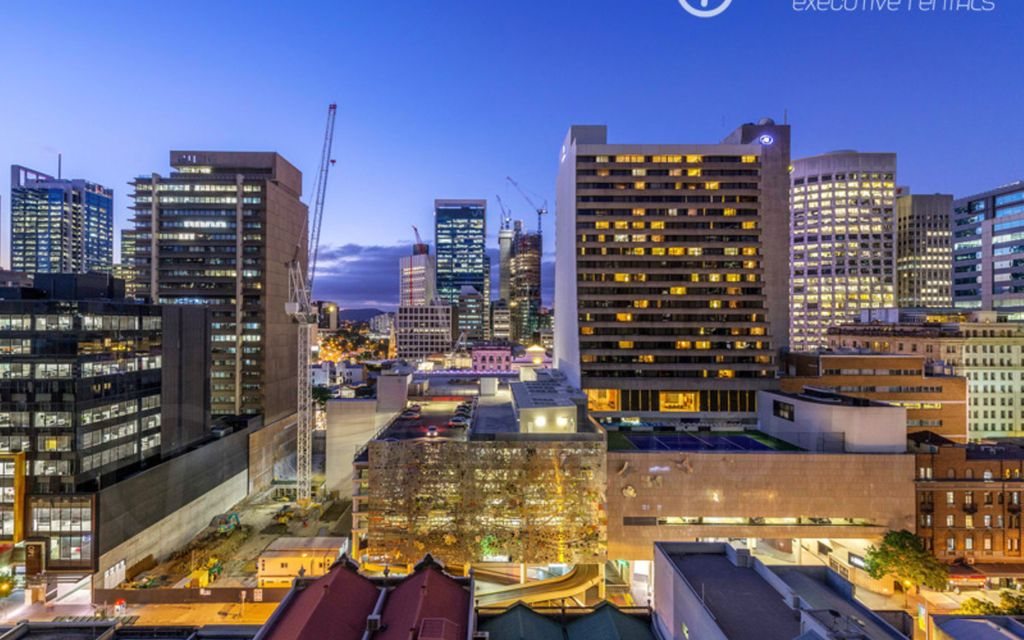 Price Reduction -City Living at It's Best – Close to QUT & Queen St Mall – Fully Furnished