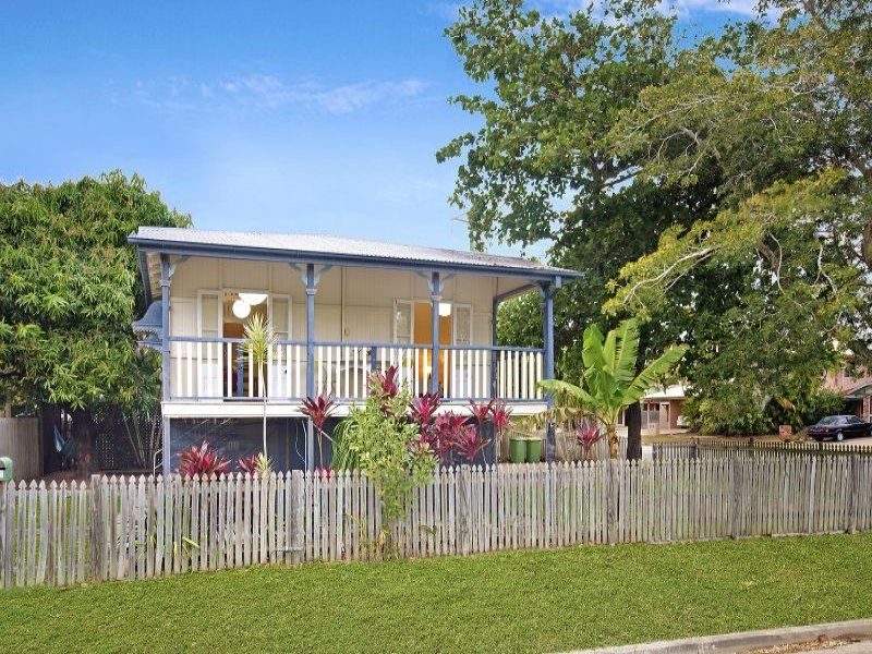 NEAT QUEENSLANDER COTTAGE CLOSE TO THE CITY!