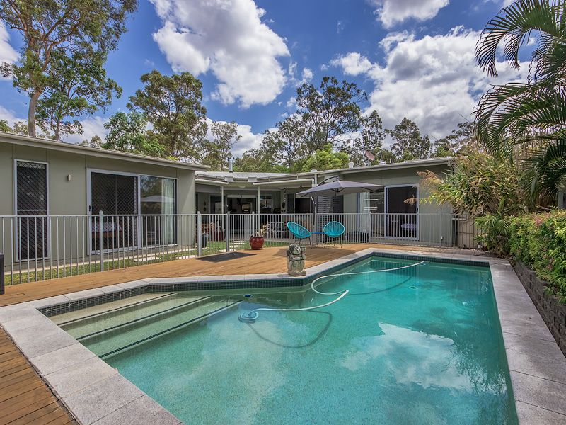 CONTEMPORARY FAMILY HOME! SOLAR, POOL & SO MUCH MORE!