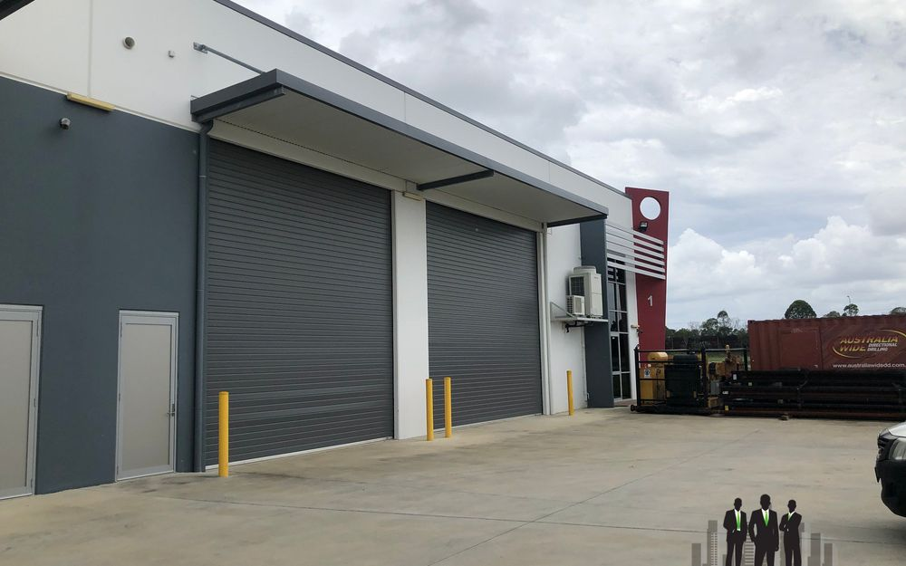 Warehouse Fronting Bruce Highway