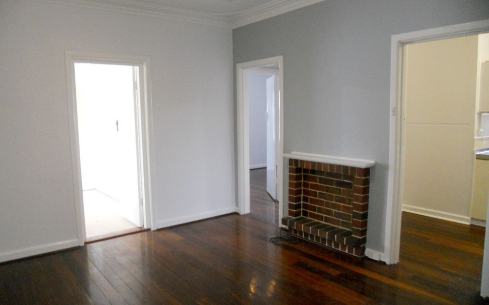 **UNDER APPLICATION** PERFECTLY LOCATED 2 X 1 UNIT CLOSE TO SWAN RIVER FORESHORE!