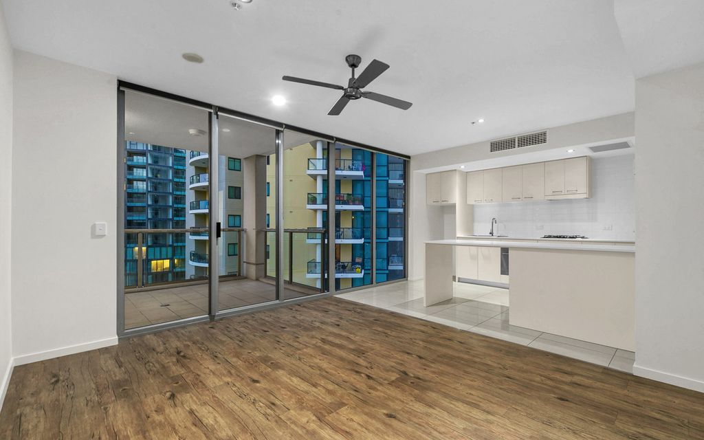 Remarkable opportunity to secure a fantastic inner-city apartment. All Offer will be considered