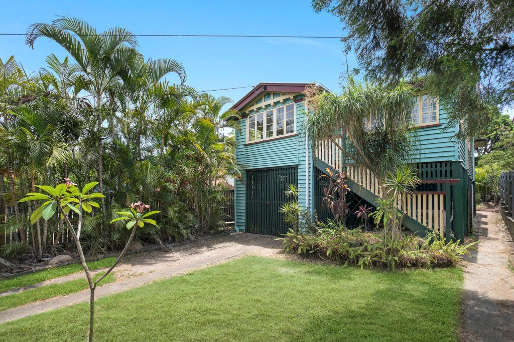 Entry-level Renovator Opportunity in Blue Chip Balmoral