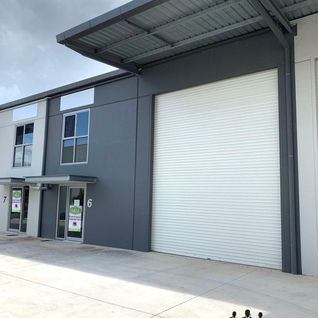 Clean North Lakes Warehouse