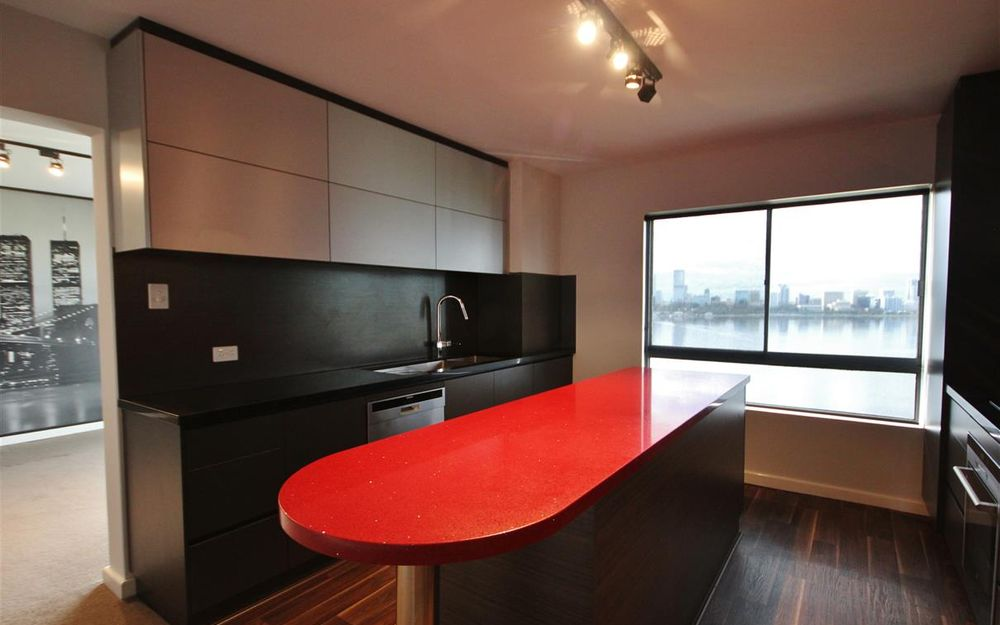 Fully Renovated 3 Bedroom 2 Bathroom Apartment