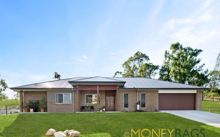 Fabulous Family Home in Jimboomba Woods Estate