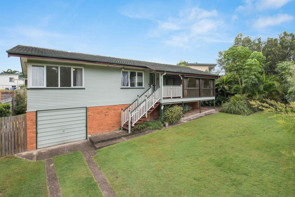 Family Friendly Home with a Leafy Outlook!