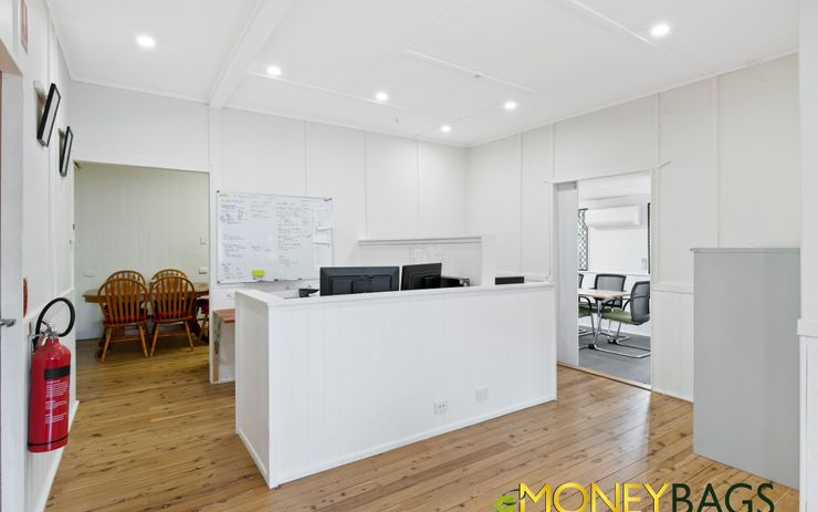 Business Office Opportunity With Carpark