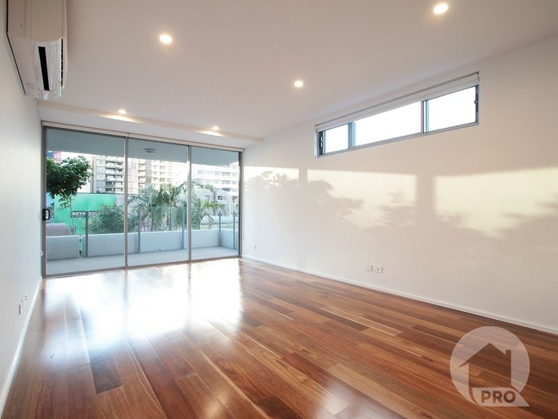2 Bedroom Apartment Facing the Pool
