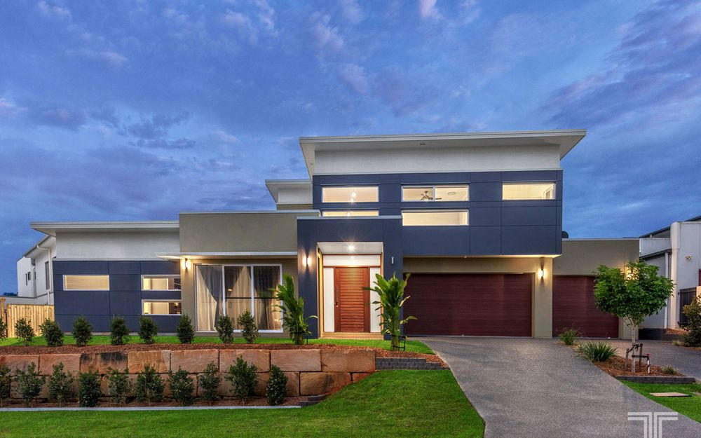 Stylish Executive Abode in Sought-After Estate