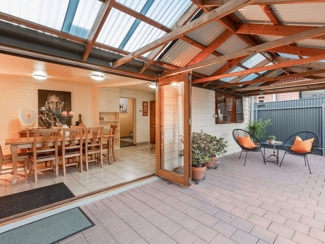 Character Bungalow in stunning Colonel Light Gardens