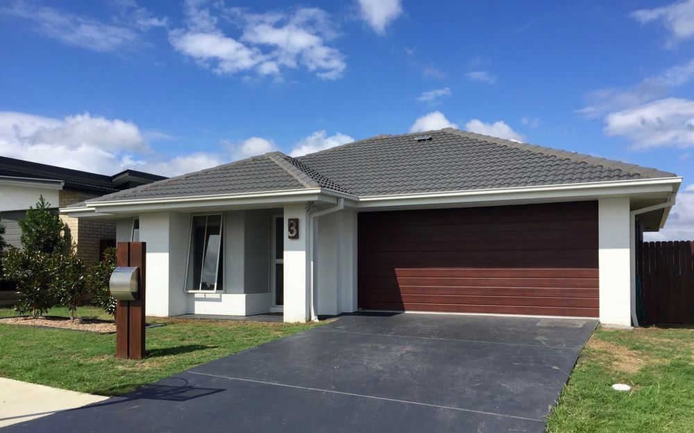 Beautifully Presented Property In Yarrabilba – Lawn Maintenance Included