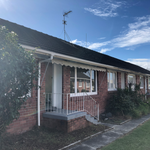 Two bedroom brick and tile unit in Takapuna