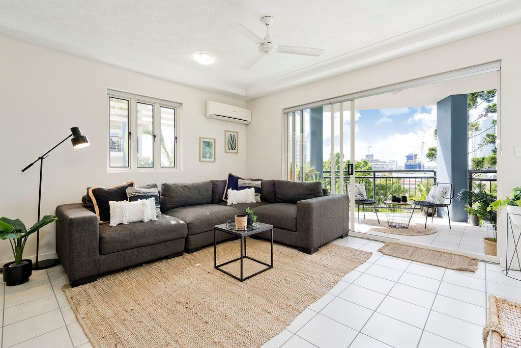 Extremely Large One Bedroom Unit with Sensational Views!