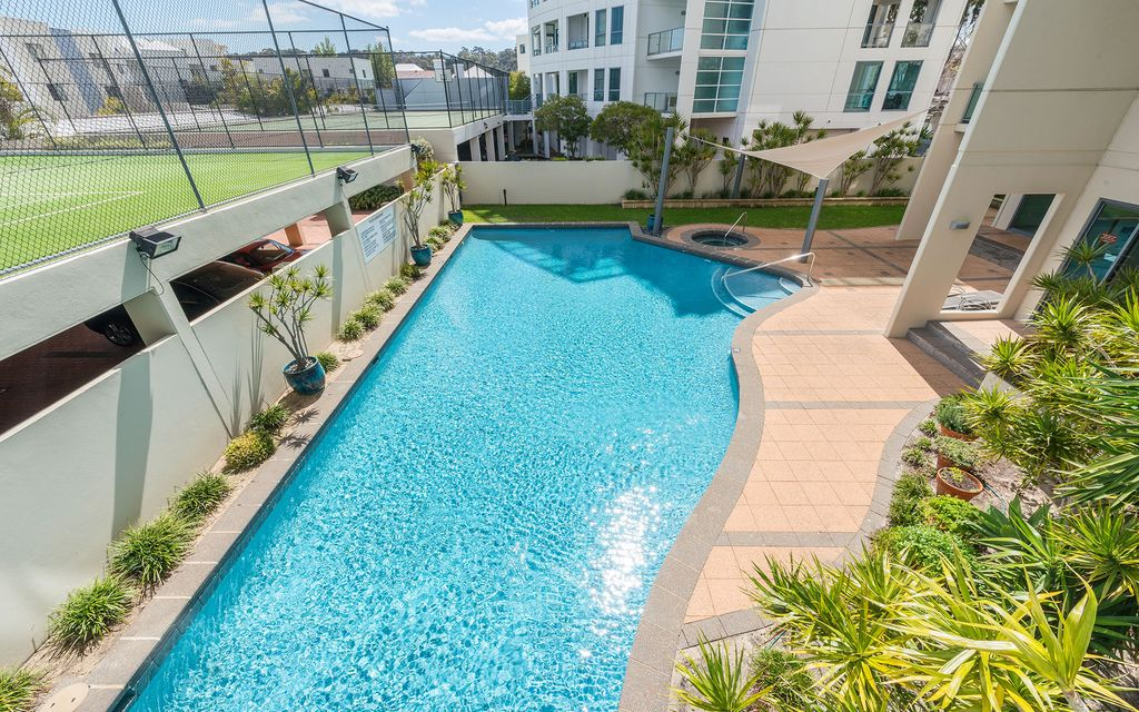 LUXURY FURNISHED EXECUTIVE 3 X 2, RESORT-STYLE COMPLEX with 2 car spaces