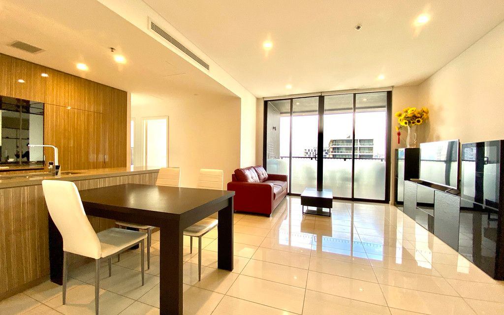 Fully furnished 2 bedroom apartment Platinum Zetland! Do not Miss this one!!!