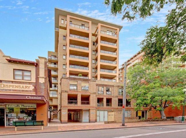 Conveniently located ground floor studio apartment