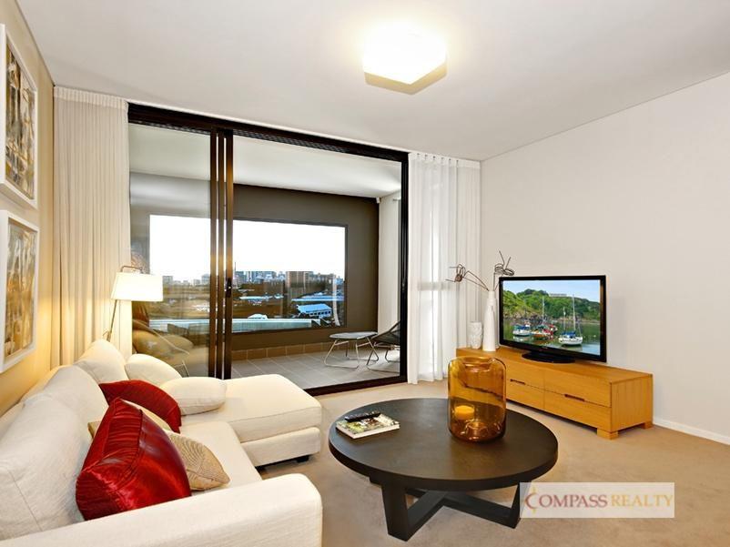 Split Level 1 bedroom apartment on level 6
