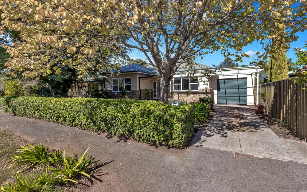 Character Art Deco, stone fronted home in sought after Daw Park