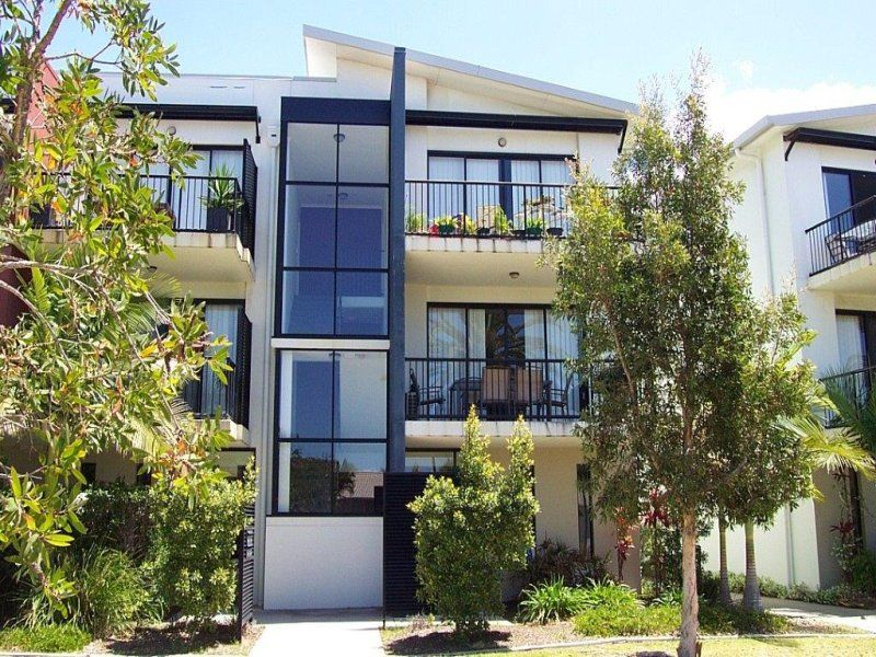 RABY BAY VILLAS- TOP FLOOR UNIT                                                       Investor Quits – Must Be Sold- $20,000 Reduction  Now $279,000