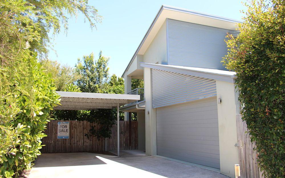 LARGE 4 BEDROOM HOUSE – CENTRAL CLEVELAND
