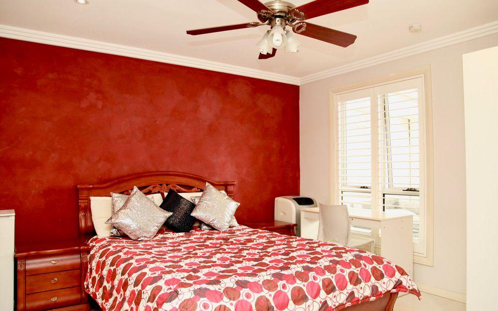 2 bedroom granny flat adjoining main dwelling