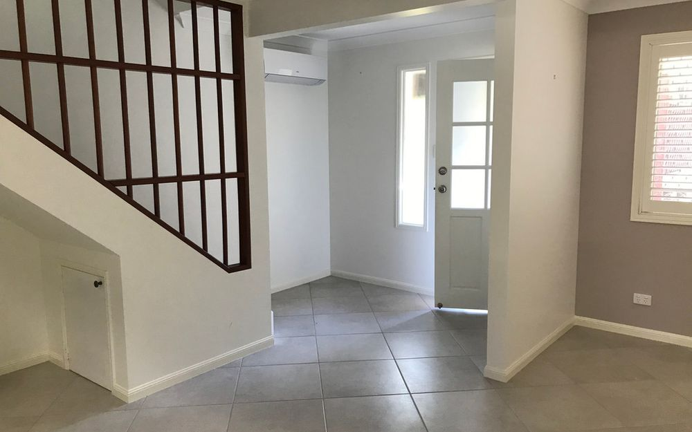 Modern townhouse in  secure complex with pool. FREE WEEKS RENT. UNDER APPLICATION