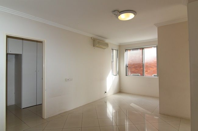 Immaculate light filled 2 bedroom unit