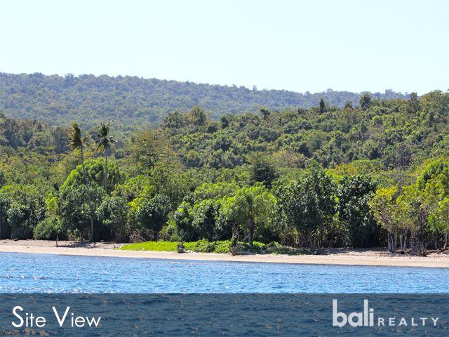 Stunning Beachfront Land In Moyo Island – Freehold