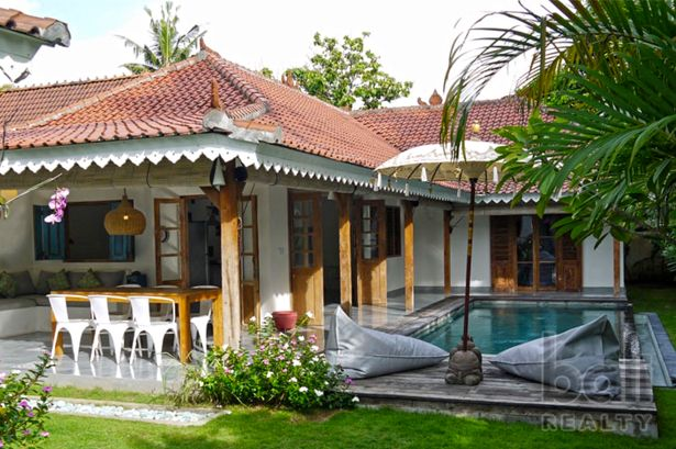 Charming Cottage Style Villa