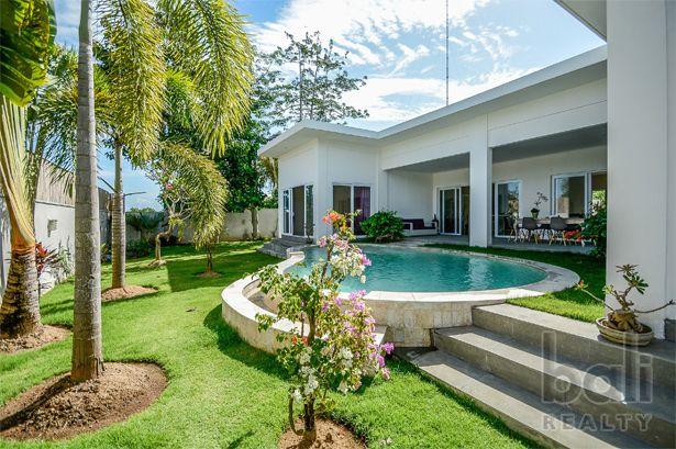 Pleasant Modern Minimalist Residence