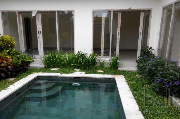 Simply Cut Modern Villa