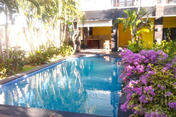 Pleasantly Designed Tropical Petitenget Villa