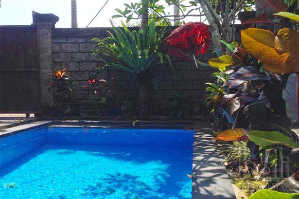 Tastefully Tropical Residence