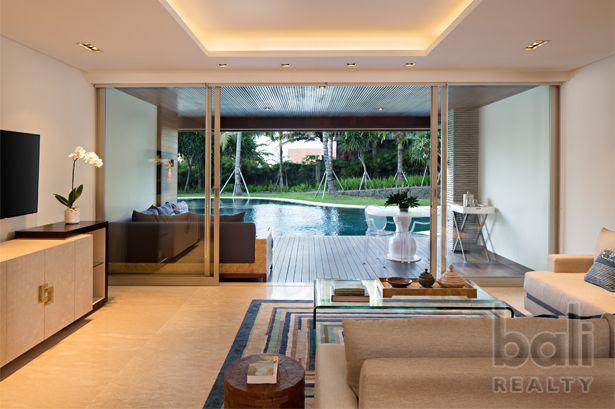 Luxury Canggu Beachfront Apartment – Managed by Como