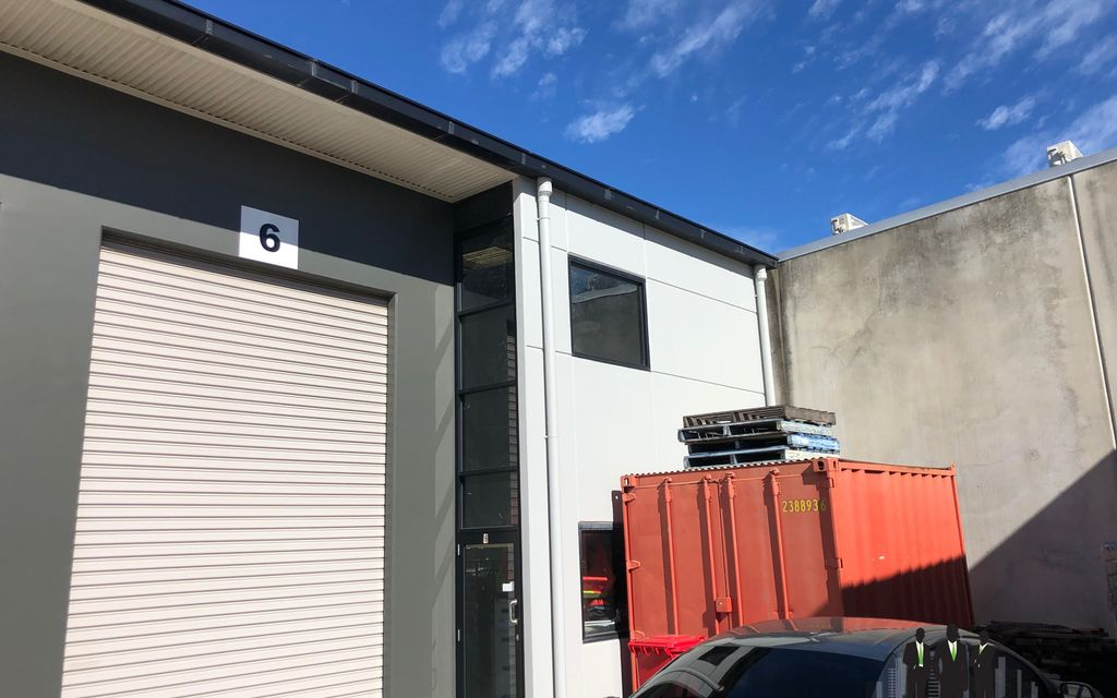 Tilt Panel Warehouse in Tightly Held Estate
