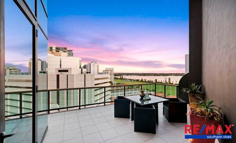 Furnished Stunning 4 Level PENTHOUSE with river and city view
