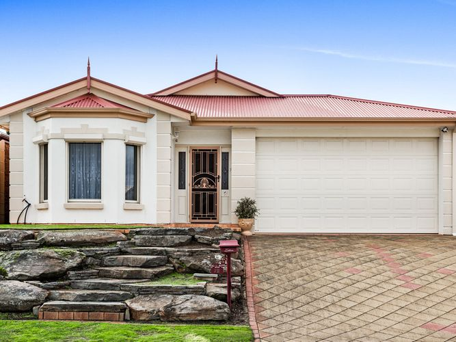 Immaculately Presented Home Spoilt For Features