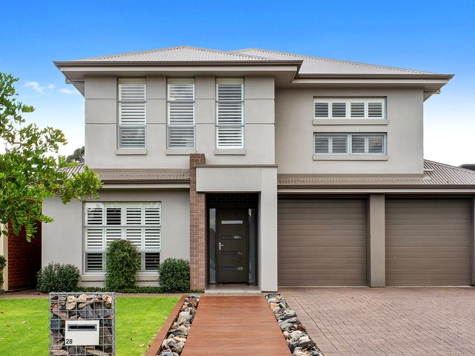 Stunning Home with spacious Bedrooms, multiple living spaces and alfresco entertaining