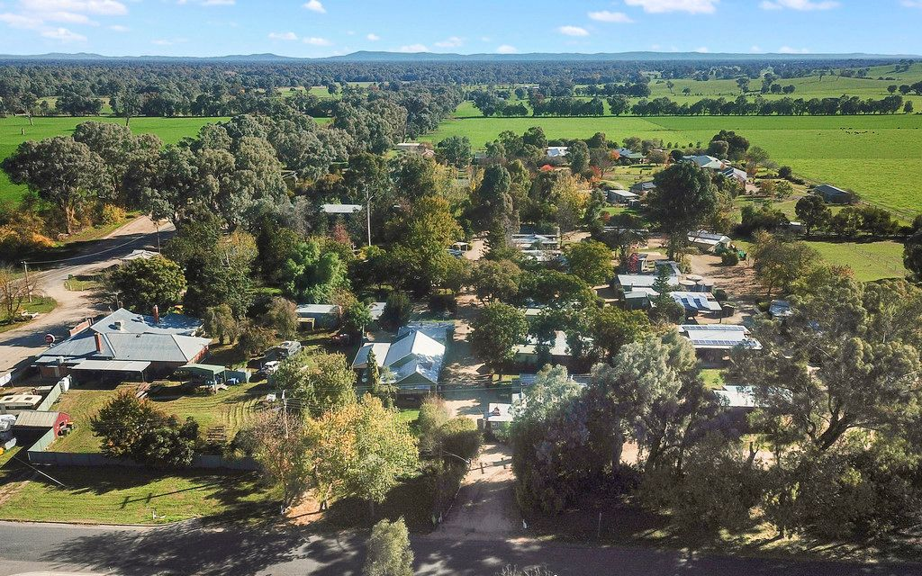 Affordable Freehold and Business in Beautiful North East Victoria