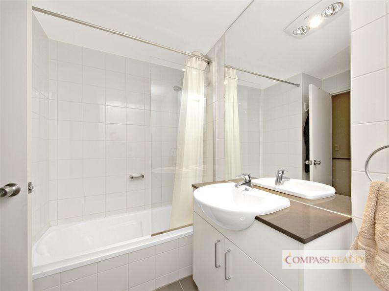 "Spilit level 2 Bedroom  Apartment @ ""Nest"""